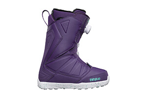 Top 10 Best Snowboarding Boots for Women Reviews