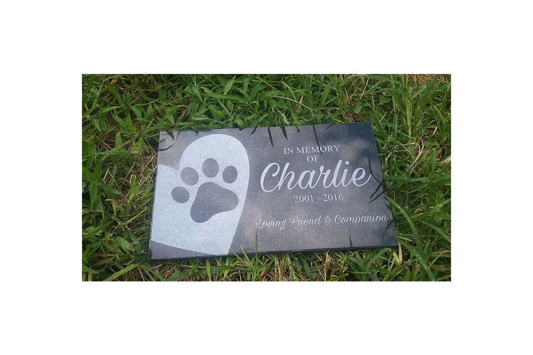 "Personalized Pet Stone Memorial Marker Granite Marker Dog Cat Horse Bird Human 6"" X 10"""
