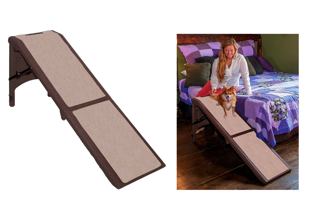 Pet Gear Free-Standing Ramp for Cats and Dogs. Great for SUV's