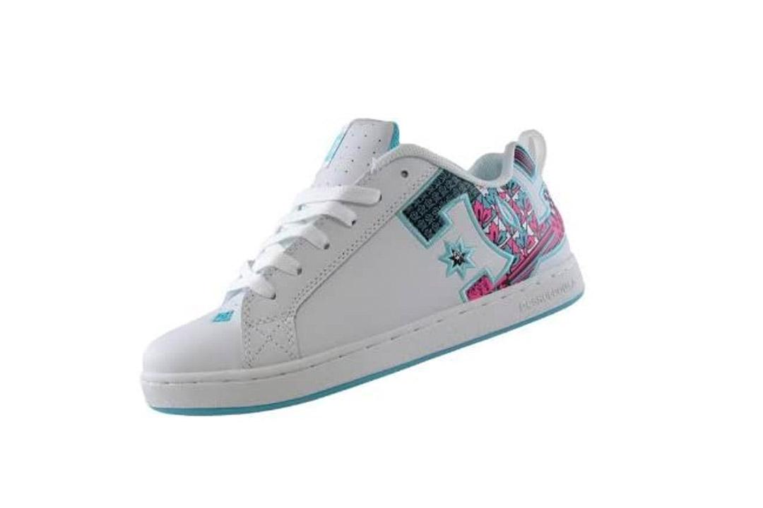 Court Graffik SE Skate Shoe